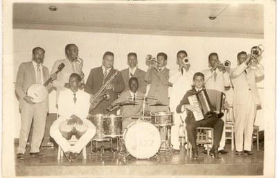 Banda Continental Jazz de Campos Altos - Década de 60.jpg