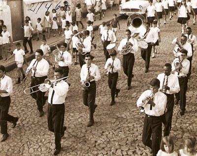 Desfile Cívico - Década de 80.jpg