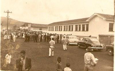 Inauguração do Grupo Deiró Borges - 1954.jpg