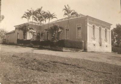 Residência do Prefeito Dr. Luiz (Casarão)- Década de 50.jpg